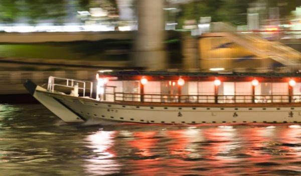 屋形船の選び方!花火デートではどんな屋形船がいい?